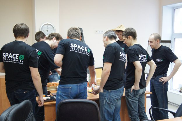spaceo-russia-developers-pizza-party