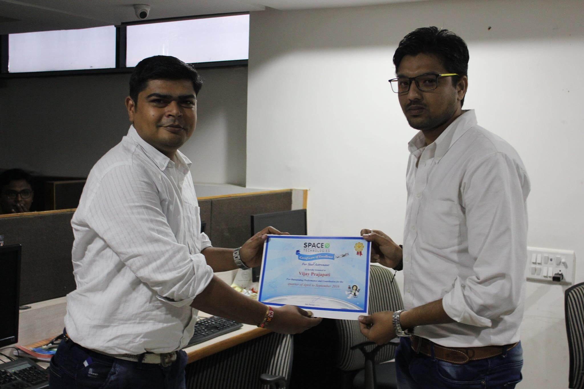 Vijay, Web Designer