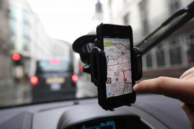 waze-app  - waze app 624x416 - Top 3 Takeaways For Startups to Consider Before Creating Carpooling Apps like Waze