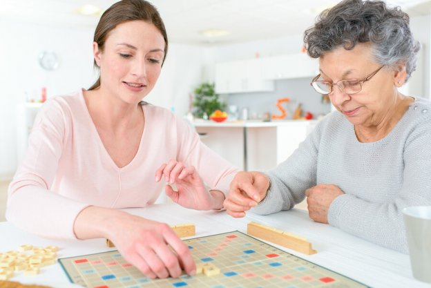 Apps-for-senior-citizens  - Apps for senior citizens 624x417 - Planning to Create Apps for Senior Citizens? Browse Top 4 Features by Papa
