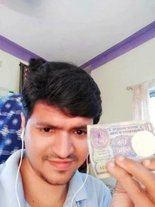 Selfie with currency